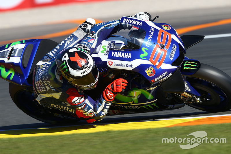El tercer y último anuncio de Yamaha fue el del regreso de Jorge Lorenzo como probador. El mallorquín iba a subirse a la M1 este domingo en el shakedown, pero finalmente no fue así