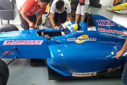 Presley Martono di garasi Sentul International Circuit