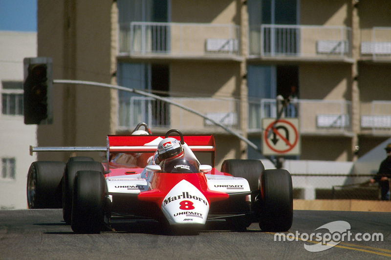 1982 : McLaren MP4/1B, à moteur Ford Cosworth