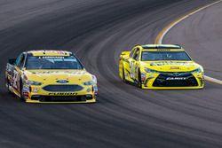 Jeffrey Earnhardt, Go Green Racing, Ford; Matt Kenseth, Joe Gibbs Racing, Toyota