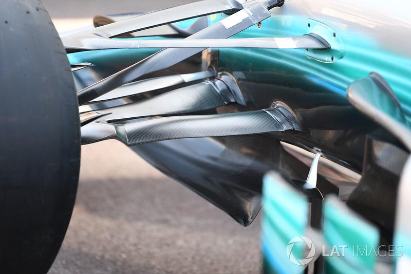 Mercedes-Benz F1 W08 Hybrid ön süspansiyon detay