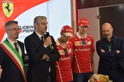 Maurizio Arrivabene, Sebastian Vettel, Antonio Giovinazzi