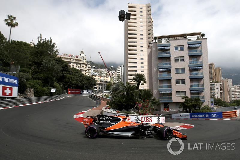 Jenson Button, McLaren MCL32 (1 abandono en 1 carrera)
