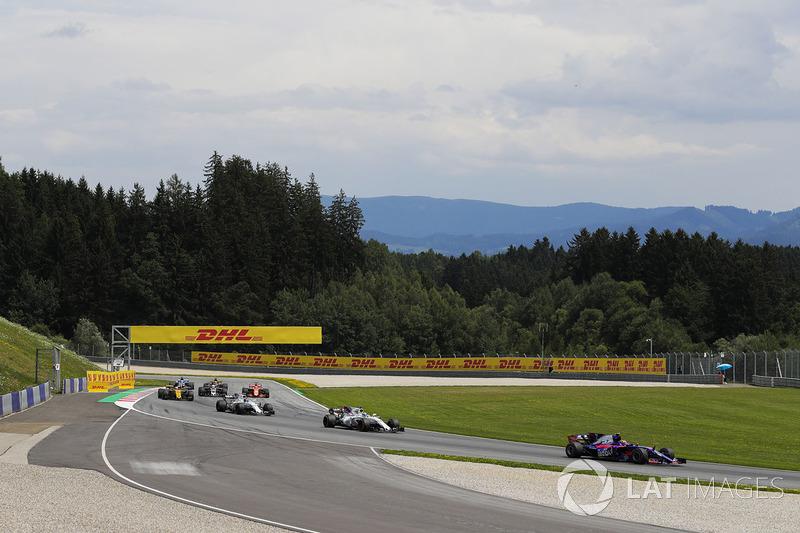 Карлос Сайнс-мол., Scuderia Toro Rosso STR12, Феліпе Масса, Williams FW40, Ленс Стролл, Williams FW40