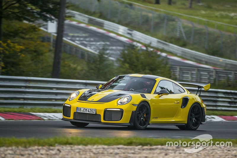 porsche 911 gt2 rs rekordfahrt auf der n rburgring. Black Bedroom Furniture Sets. Home Design Ideas