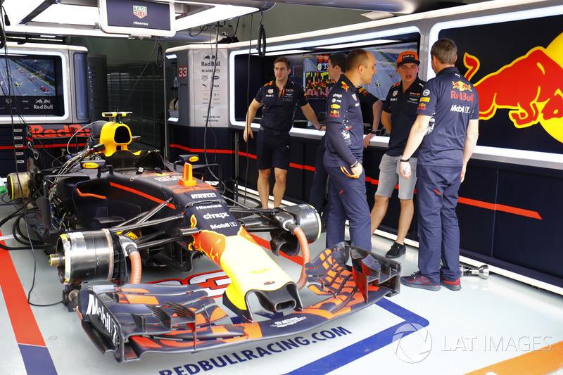 Макс Ферстаппен, Red Bull, у боксах Red Bull