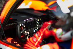 TDS Racing Oreca 07 Gibson, steering wheel detail