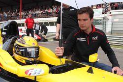 Stoffel Vandoorne op de grid met Geoffroy Theunis, RACB National Team