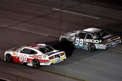 Cole Custer, Stewart-Haas Racing Ford and Casey Mears, Biagi-DenBeste Racing Ford
