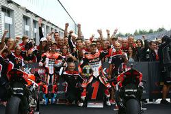 Podium: ganador, Chaz Davies, Ducati Team, tercero, Marco Melandri, Ducati Team