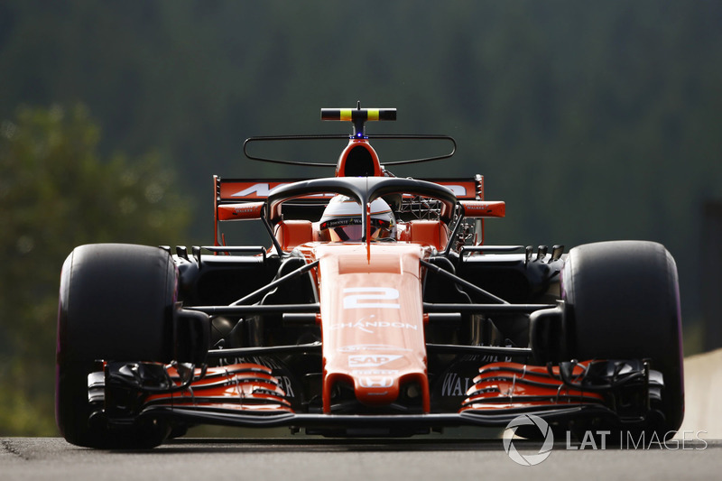 Stoffel Vandoorne, McLaren MCL32 con el Halo