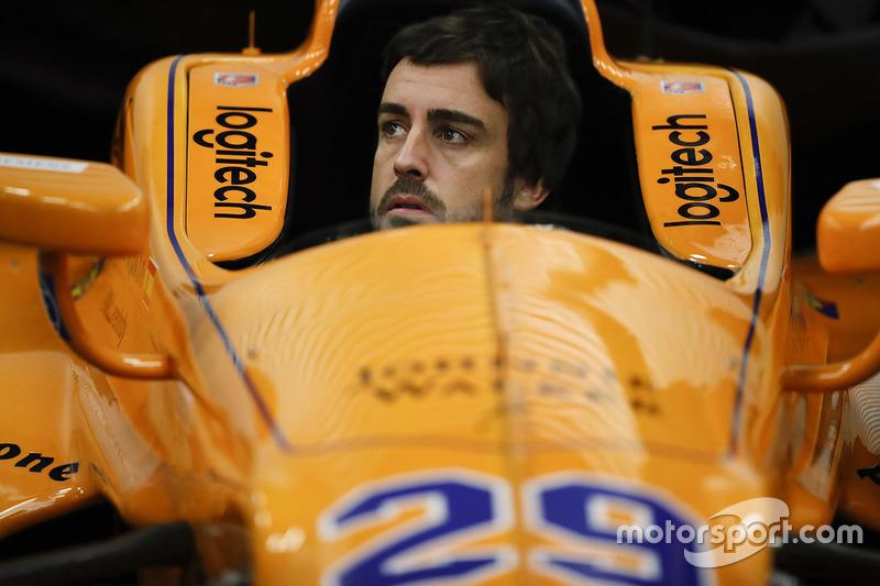 Na ocasião, Alonso completou a programação obrigatória para um novato e já se ambientou a um oval. Apesar de atropelar dois pássaros, o teste se desenrolou sem grandes contratempos.