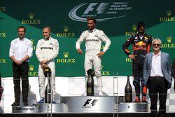 1. Lewis Hamilton, Mercedes AMG F1; 2. Valtteri Bottas, Mercedes AMG F1; 3. Daniel Ricciardo, Red B
