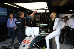 Patrick Stewart, en Lewis Hamilton, Mercedes-Benz F1 W08