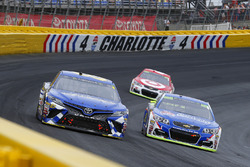 Brett Moffitt, BK Racing Toyota and Jamie McMurray, Chip Ganassi Racing Chevrolet
