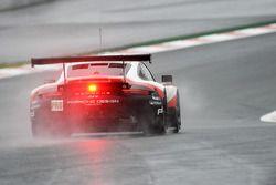#91 Porsche GT Porsche Team 911 RSR: Richard Lietz, Frédéric Makowiecki