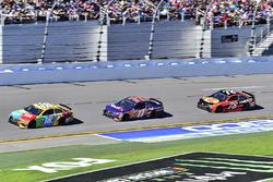 Kyle Busch, Joe Gibbs Racing Toyota, Denny Hamlin, Joe Gibbs Racing Toyota, Martin Truex Jr., Furnit