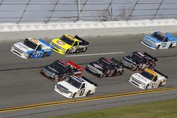Johnny Sauter, GMS Racing Chevrolet, Ben Rhodes, ThorSport Racing Toyota, Brett Moffitt, Red Horse R