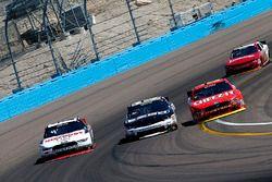 Brad Keselowski, Team Penske Ford; Brandon Jones, Richard Childress Racing Chevrolet; Darrell Wallac