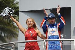 Luca Filippi, Dale Coyne Racing Honda avec une pom-pom girls des Tampa Bay Buccaneers