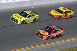 Matt Kenseth, Joe Gibbs Racing Toyota, Martin Truex Jr., Furniture Row Racing Toyota, Joey Logano, T