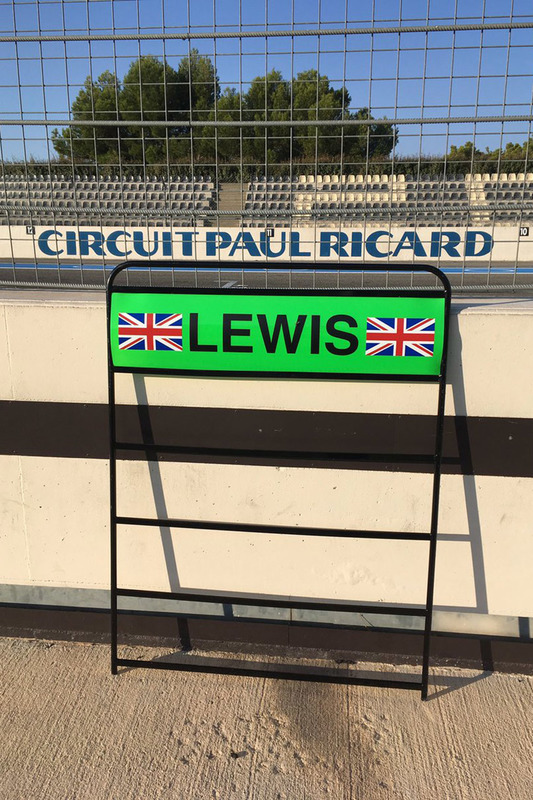 Lewis Hamilton, Mercedes AMG F1, Boxentafel