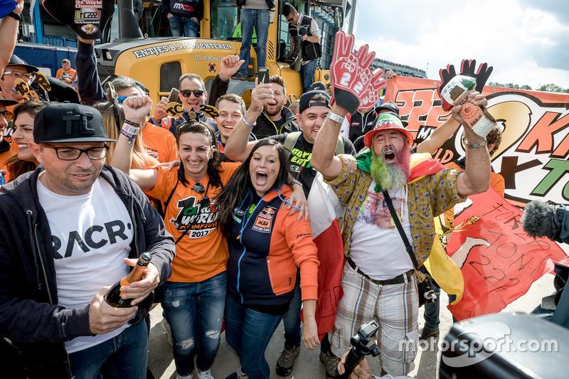 Fans de Tony Cairoli