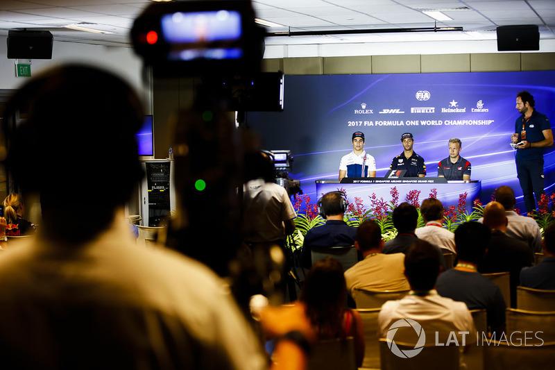 Lance Stroll, Williams, Daniel Ricciardo, Red Bull Racing, Kevin Magnussen, Haas F1 Team