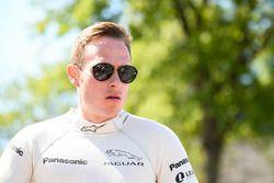 Adam Carroll, Jaguar Racing, pendant la parade des pilotes