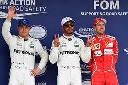 Le poleman Lewis Hamilton, Mercedes AMG F1, le deuxième, Valtteri Bottas, Mercedes AMG F1, le troisième, Sebastian Vettel, Ferrari