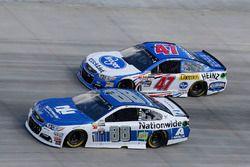 Dale Earnhardt Jr., Hendrick Motorsports Chevrolet A.J. Allmendinger, JTG Daugherty Racing Chevrolet