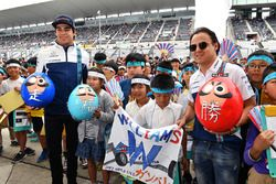 Lance Stroll, Williams and Felipe Massa, Williams with young Williams fans