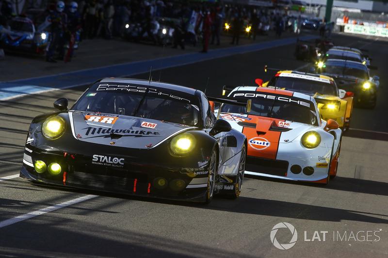 57°: #88 Proton Competition Porsche 911 RSR: Stéphane Lemeret, Klaus Bachler, Khaled Al Qubaisi