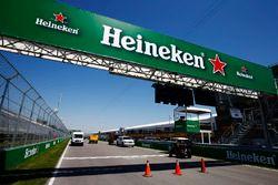 Un publicité Heineken au niveau de la ligne d'arrivée du Circuit Gilles Villeneuve