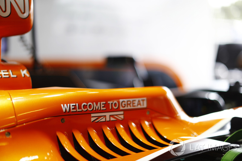 Kokpit detay, McLaren MCL32