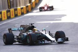Lewis Hamilton, Mercedes AMG F1 W08 leads Sebastian Vettel, Ferrari SF70H