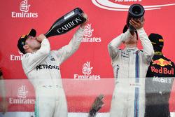 Подиум: Валттери Боттас, Mercedes AMG F1, и Лэнс Стролл, Williams