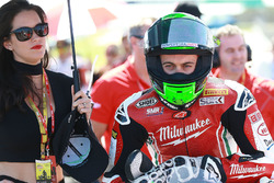 Eugene Laverty, Milwaukee Aprilia World Superbike Team with a lovely grid girl