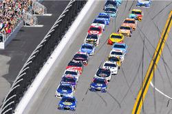 Chase Elliott, Hendrick Motorsports Chevrolet and Dale Earnhardt Jr., Hendrick Motorsports Chevrolet