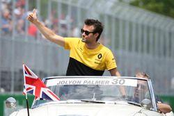 Jolyon Palmer, Renault Sport F1 Team, lors de la parade des pilotes