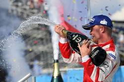 Felix Rosenqvist, Mahindra Racing, sprays the champagne on the podium