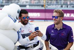 Jose Maria Lopez, DS Virgin Racing, Sam Bird, DS Virgin Racing, e l'omino Michelin