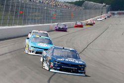 Brennan Poole, Chip Ganassi Racing Chevrolet e Daniel Hemric, Richard Childress Racing Chevrolet
