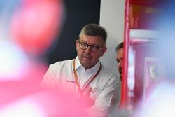Ross Brawn, Formula One Managing Director de deportes de motor y Gino Rosato, Ferrari
