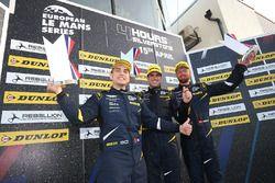 GTE podio: primer lugar Salih Yoluc, Euan Hankey, Nicki Thiim, TF Sport