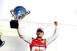 Podium: le vainqueur Jamie Green, Audi Sport Team Rosberg, Audi RS 5 DTM