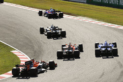 Jolyon Palmer, Renault Sport F1 Team RS17, Marcus Ericsson, Sauber C36, Fernando Alonso, McLaren MCL32, Stoffel Vandoorne, McLaren MCL32