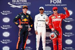 Обладатель поула Льюис Хэмилтон, второе место – Кими Райкконен, Ferrari, третье место – Макс Ферстаппен, Red Bull Racing
