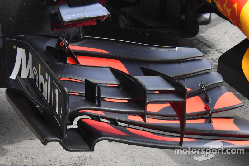 Daniel Riccardo, Red Bull Racing RB13, detail front wing