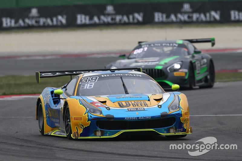 #39 Kessel Racing TP12, Ferrari 488 GT3: Piti Bhirombhakdi, Carlo Van Dam